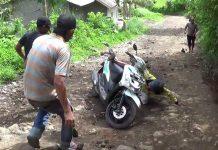 jatuh sepeda motor