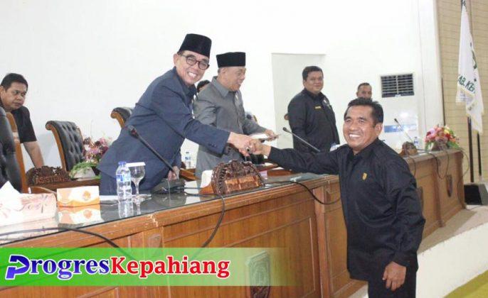 Edwar Samsi Paripurna DPRD Kepahiang