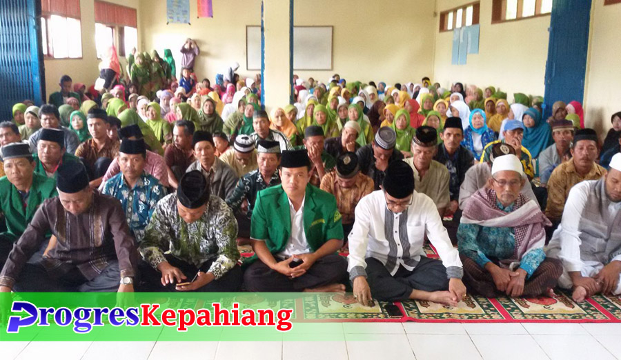Khitanan massal dan tabligh akbar