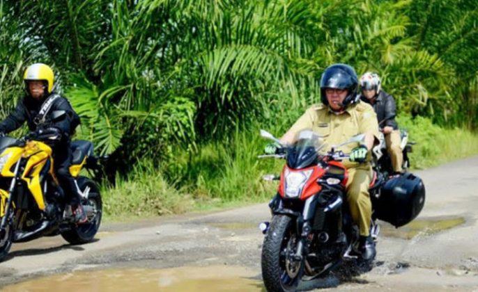 Ridwan Mukti naik motor