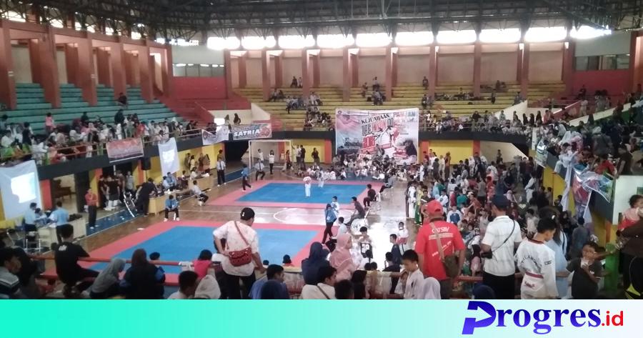 Taekwondo Open Tournament Kyorugi dan poomsae