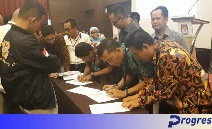 Rapat pleno rekapitulasi suara provinsi