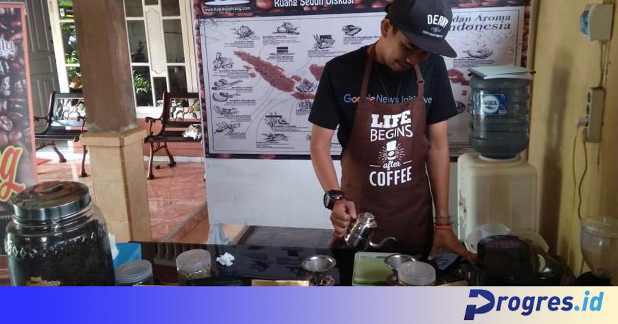 Barista kopi