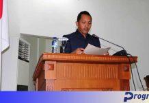Sekretaris DPRD RolandYudhistira membacakan pengumuman calon pimpinan DPRD