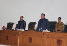 Ketua dan Wakil Ketua memimpin sidang