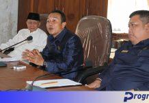 Ketua DPRD Windra Purnawan