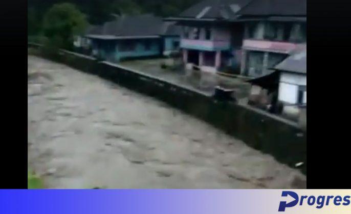 Banjir di Ujan Mas Bawah
