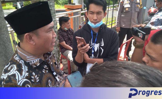 jurnalis mewawancarai zurdi nata